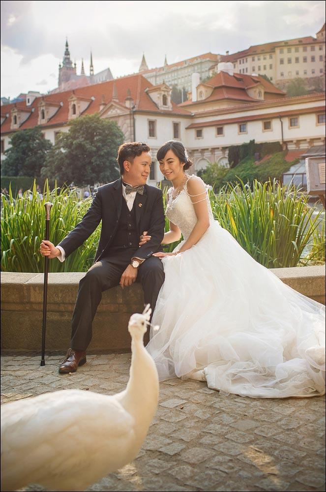 summertime pre-wedding photos in Prague_CL_001
