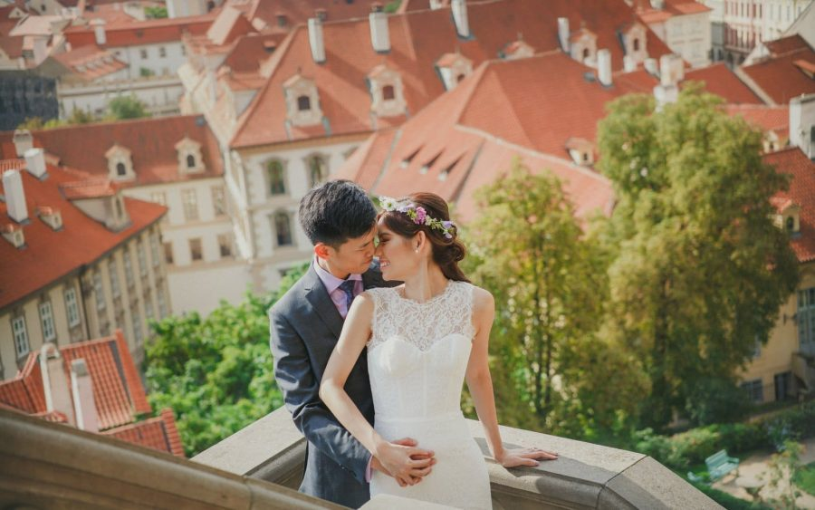 image of bride & groom, Prague Castle, St. Vitus, night portrait