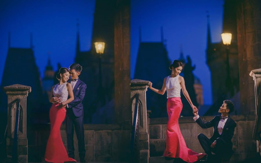 image of bride & groom, Charles Bridge, blue, night portrait, Prague, romantic photos