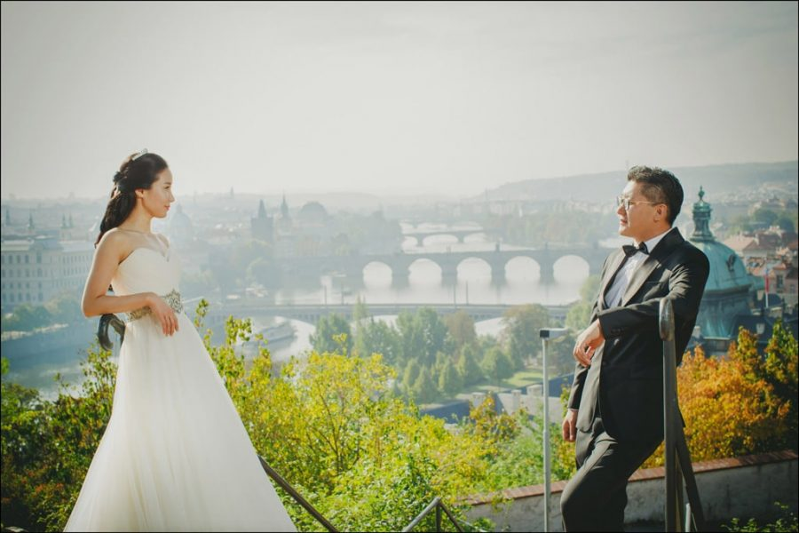 stylish-pre-wedding-portraits-from-Prague