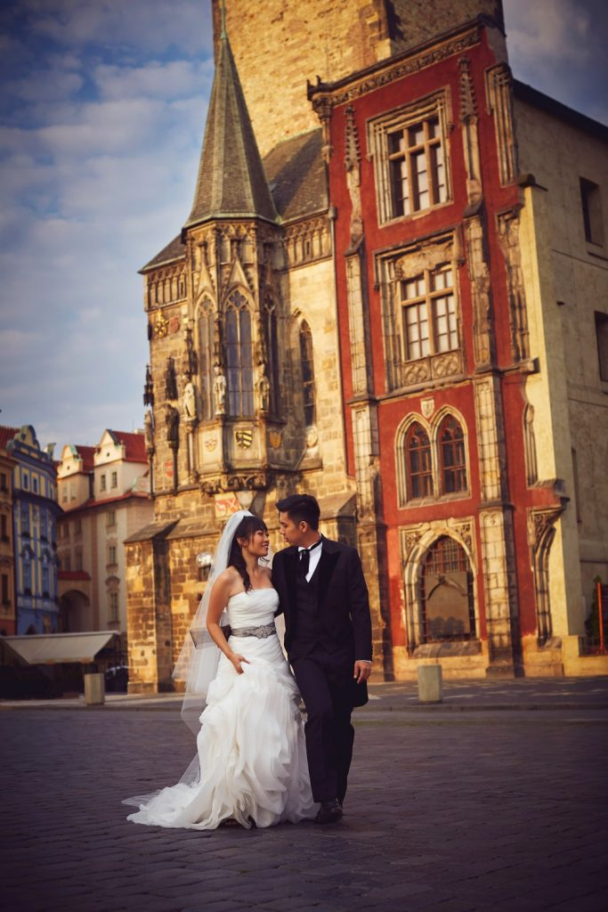 Prague Old Town, wedding couple, walking, smiling, beautiful architecture, romantic photo