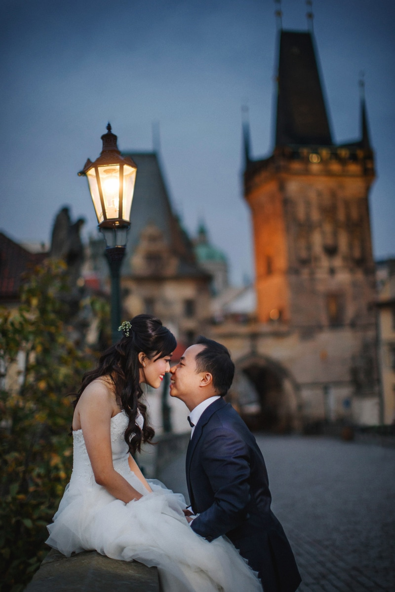 A natural light pre wedding portrait session in Prague with T&J!