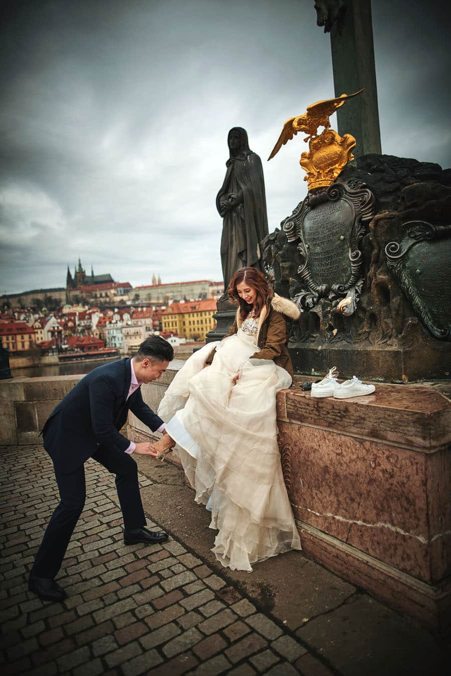 Prague Love Story Engagement photo shoot with T+M at the Charles Bridge