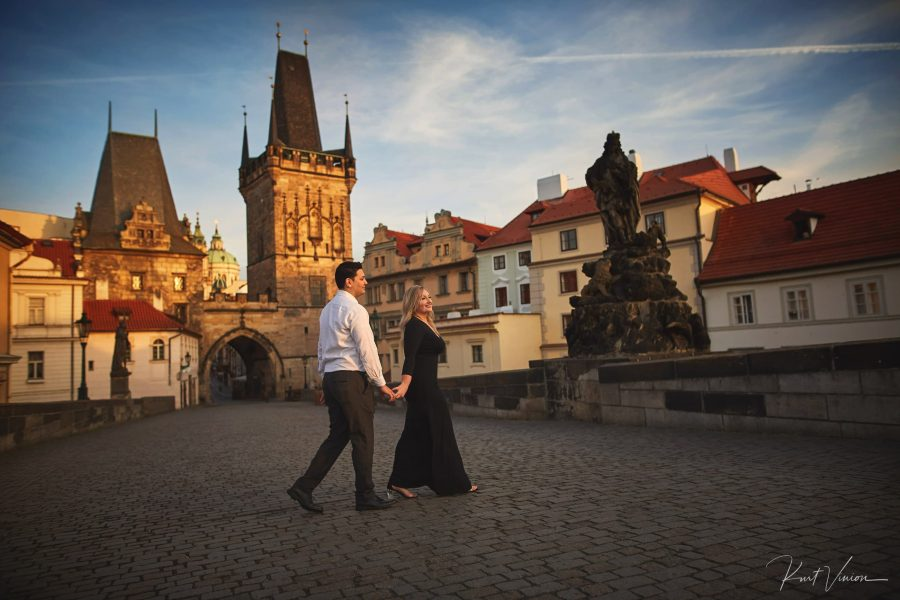romantic sunrise engagement photo session in Prague