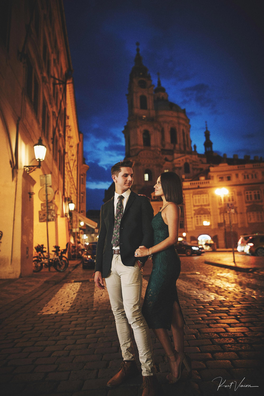 A romantic marriage proposal at Prague Castle