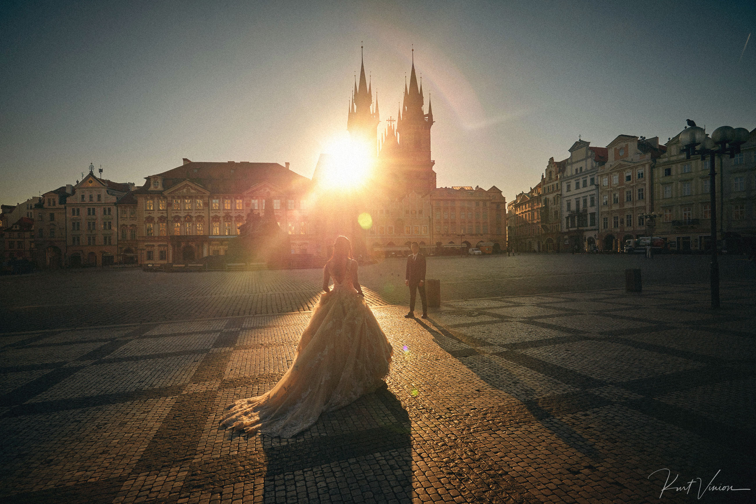R&P natural styled pre wedding portrait session in Prague